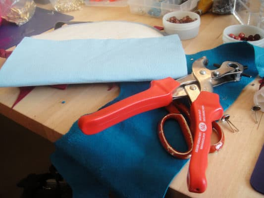 Hole punch for leather by Rosie